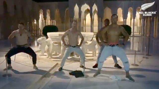 La brutal haka de los All Blacks en la Alhambra de Granada