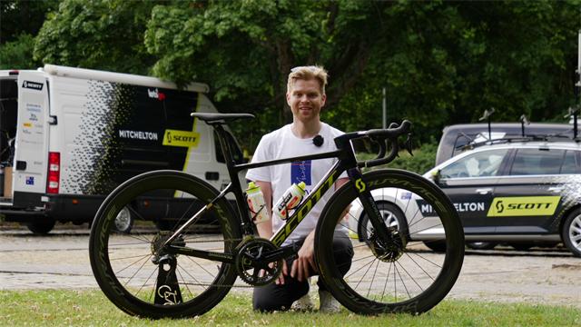 'I've got a seriously hot bike here' – GCN take a tour of Adam Yates' bike