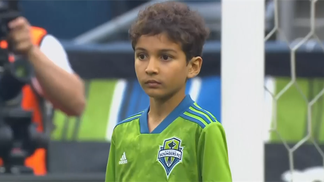 Kid with leukaemia plays for Seattle against Borussia Dortmund
