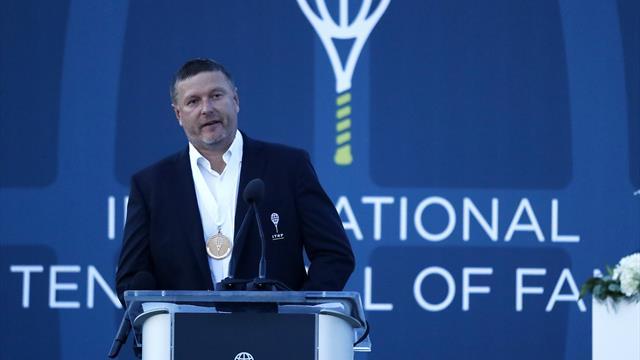 Вице-президента Федерации тенниса РФ Евгения Кафельникова включили вЗал славы