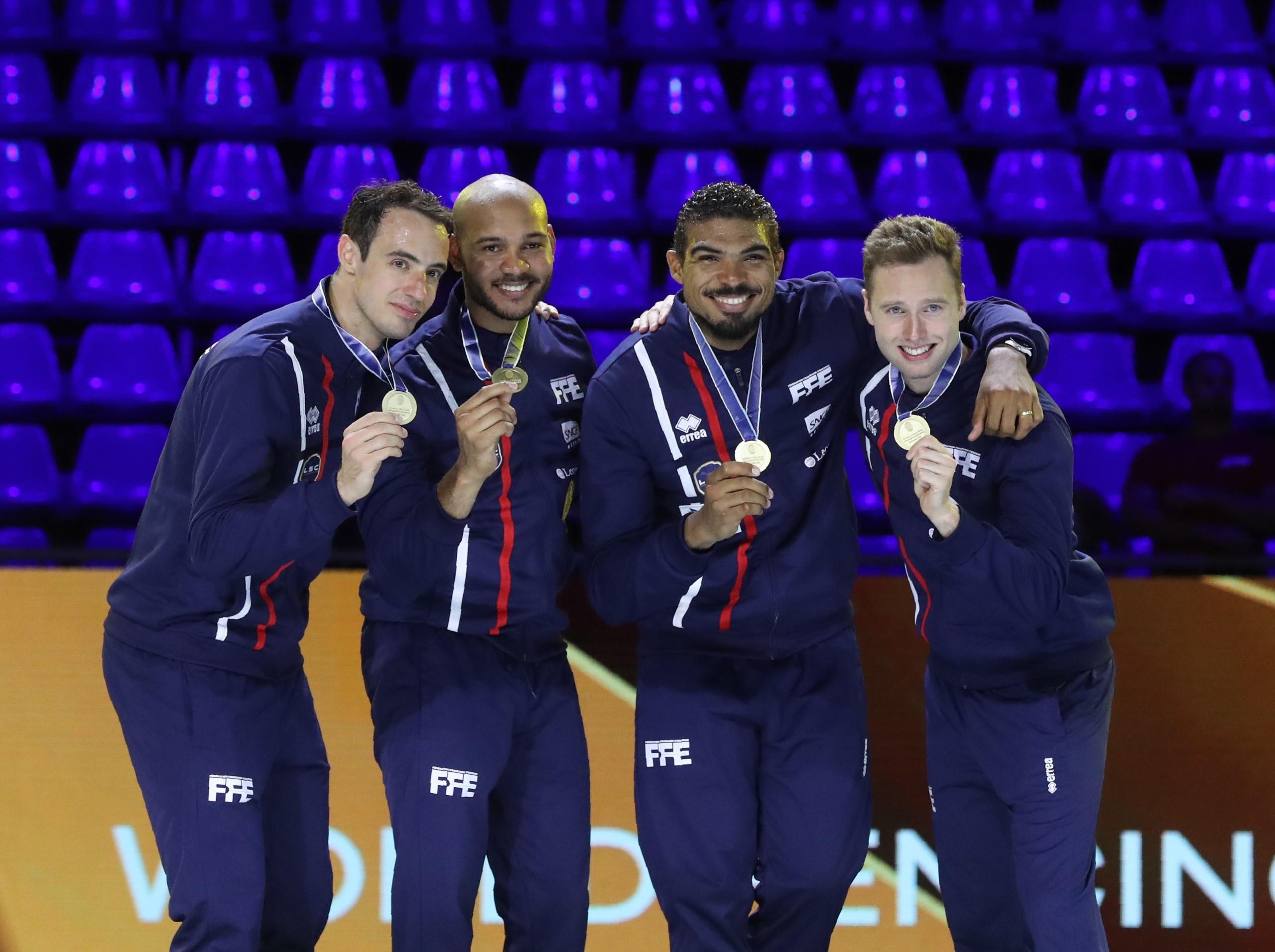 Yannick Borel, Ronan Gustin, Daniel Jerent, Alexandre Bardenet remportent la médaille d'or
