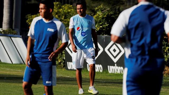 El seleccionador de Guatemala admite imposibilidad de llegar directo al Mundial