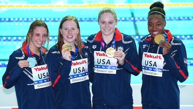 U.S. women set world record in 4x100m medley relay at world champs