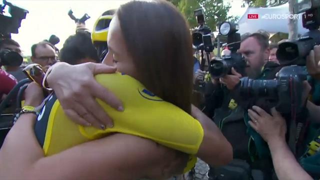 Tour de Francia 2019: El emocionante recibimiento de la familia de Egan Bernal en la meta