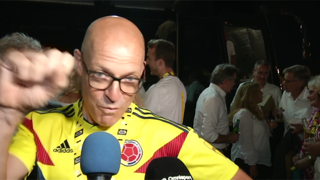 'Viva Colombia!' – Brailsford rocks Bernal's colours at Tour party