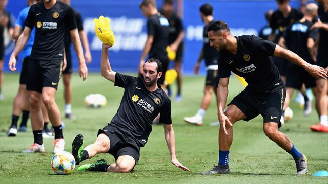 Inter, infortunio per Godin: i risultati degli esami