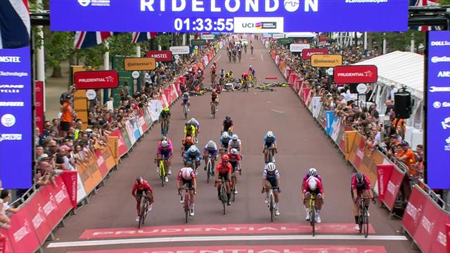 Huge crash at Ride London Women finish line