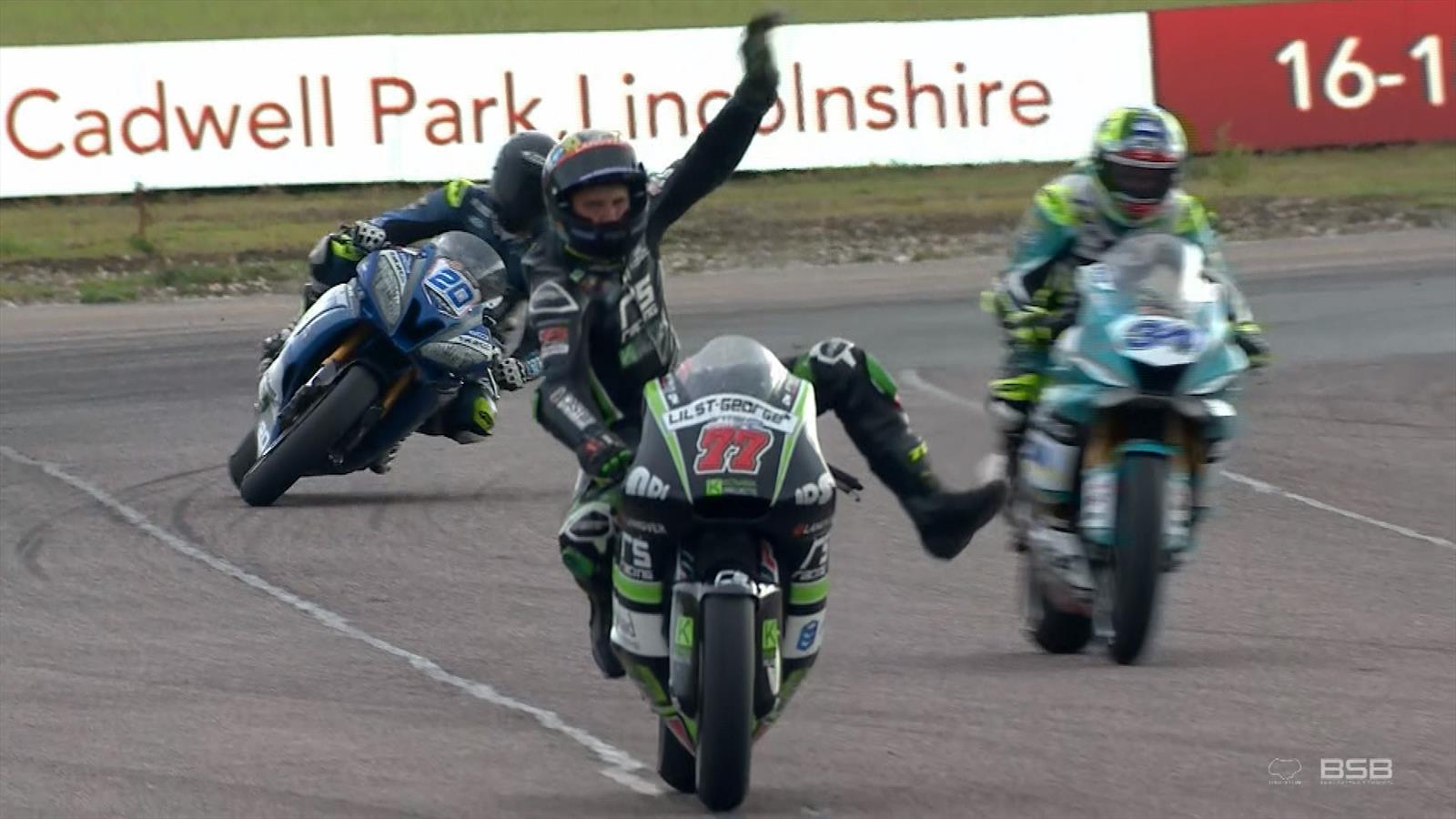Supersport final lap at Thruxton