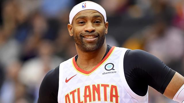 """""""Vreau să joc 82 de meciuri în acest sezon"""" spune Vince Carter, """"bunicul"""" de 42 de ani din NBA"""