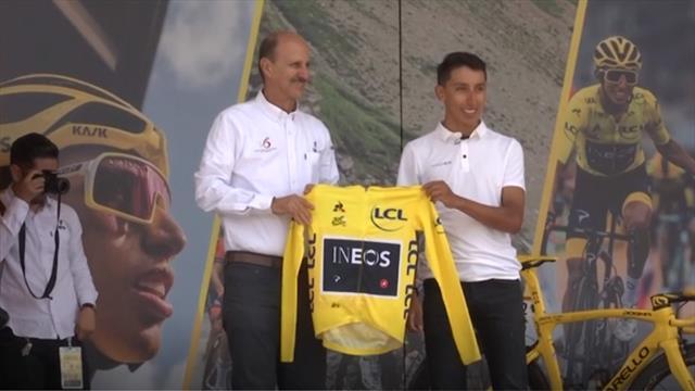 """Egan Bernal fa festa in Colombia: """"Ho vinto il Tour grazie alla mia passione per la bicicletta"""""""