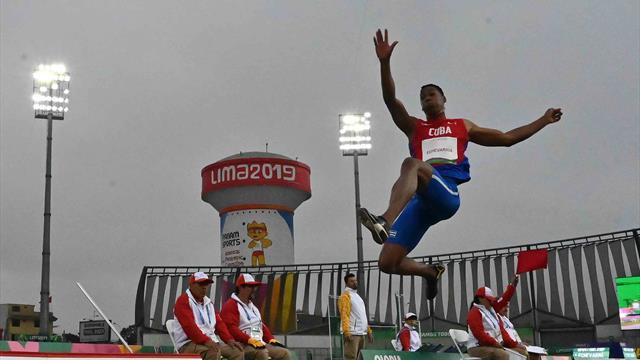 Le 6e saut de l'année et Echevarria remporte la longueur des Jeux Panaméricains