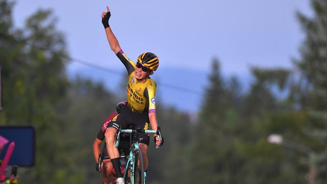 Jonas Vingegaard wins stage 6 and takes lead at Tour de Pologne