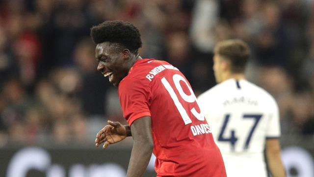 Bayern-Kollegen lachen sich über Davies schlapp