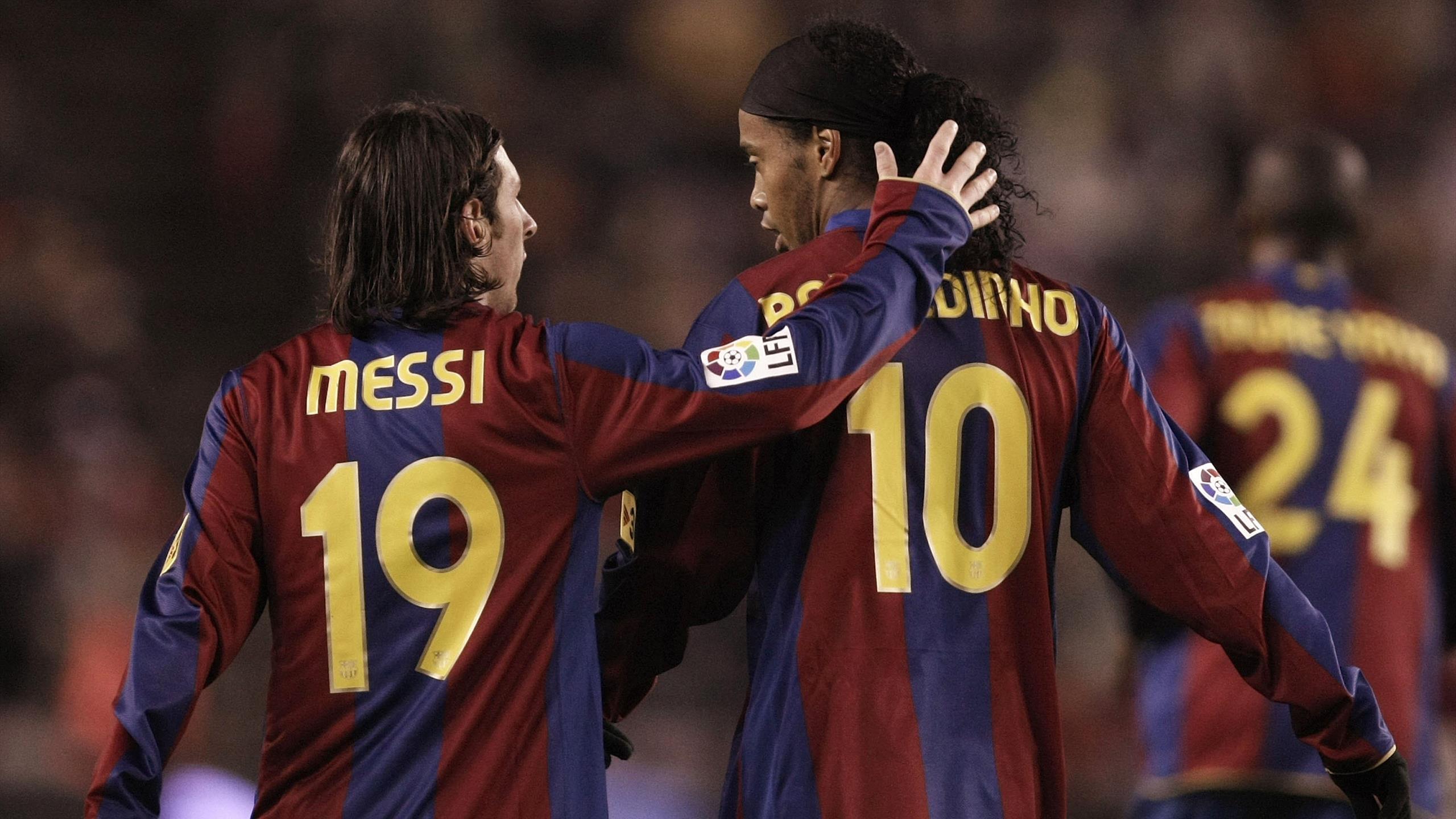 Роналдиньо – любимый футболист нашего детства. Что убило его карьеру?
