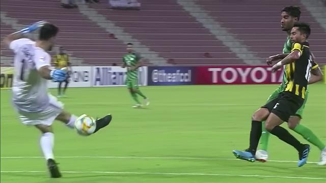 Il portiere liscia la palla che termina in rete: che figuraccia in Asian Champions League!