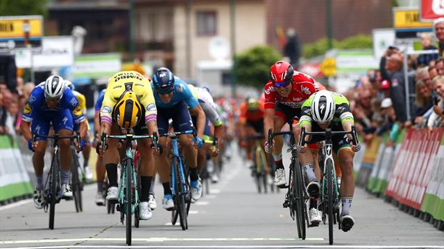 Photo finish gives Sam Bennett third straight Binckbank Tour stage win