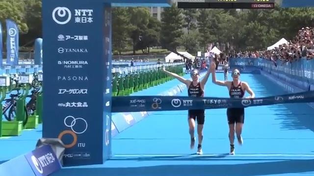 Hand in Hand über die Ziellinie: Doppeldisqualifikation bei Triathlon