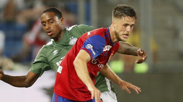 Former Norwich striker Van Wolfswinkel undergoes brain aneurysm treatment
