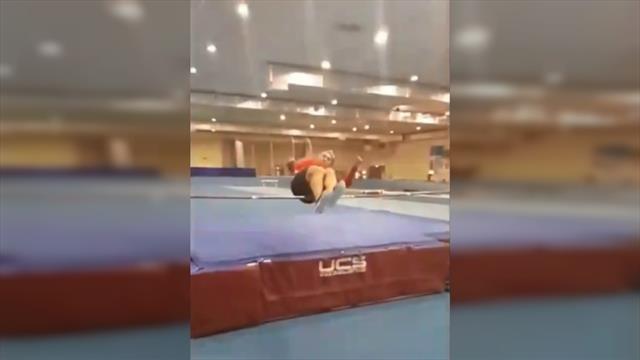Овечкин попробовал себя в легкой атлетике и классно исполнил прыжок в высоту