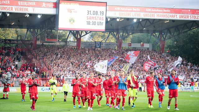Tra silenzio, lacrime e proteste: il debutto in Bundesliga dell'Union Berlino è un romanzo