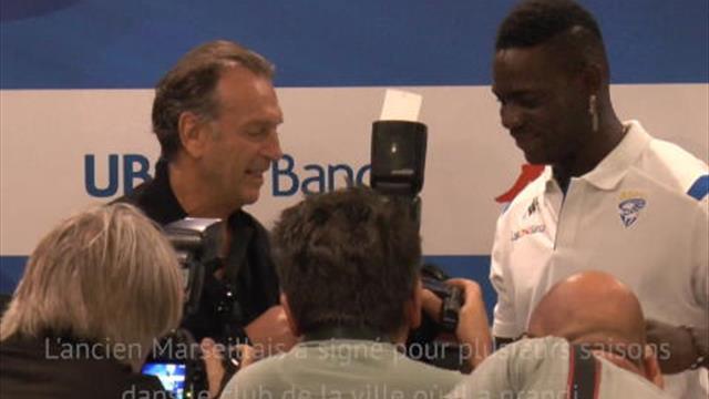 Serie A: Brescia - Balotelli présenté à la presse