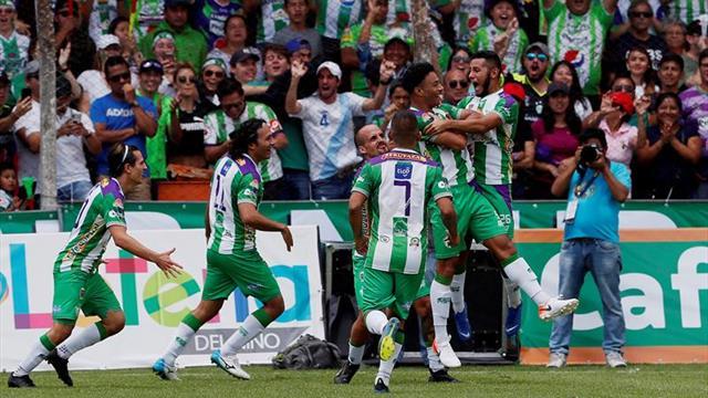 Antigua desplaza a Cobán Imperial y es el nuevo líder del fútbol en Guatemala