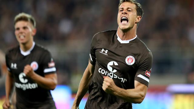 St. Pauli atmet auf: Erster Saisonsieg gegen Holstein Kiel