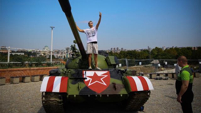 Belgrad provoziert gegen Bern mit Panzer vor dem Stadion
