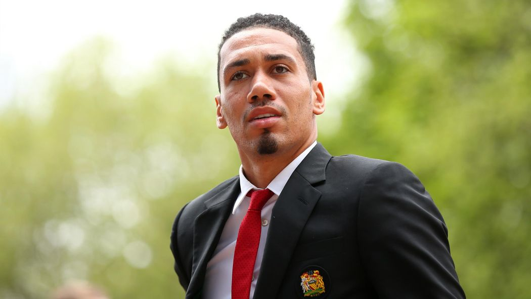 Transfer news - Chris Smalling completes Roma loan move