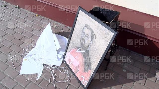 Болельщик подарил портрет вратарю «Авангарда». Позже презент нашли в мусоре