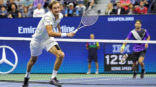 Medvedev kocht Dimitrov ab und steht erstmals in einem Grand-Slam-Finale
