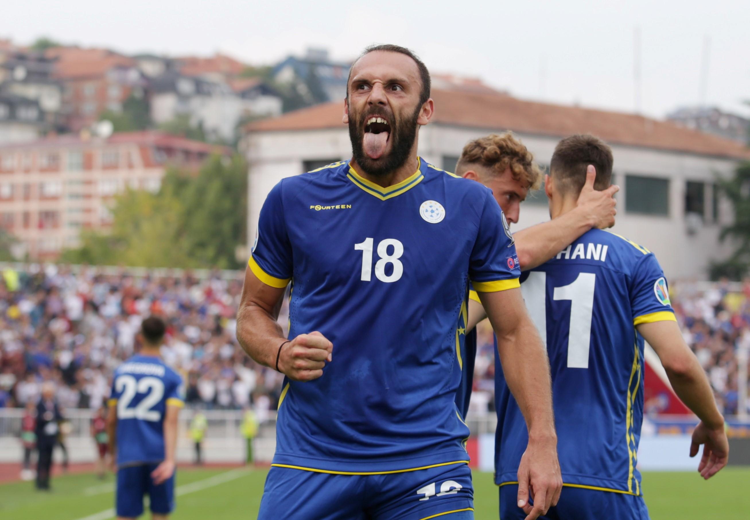 Vedat Muriqi, Kosova Milli Takımı formasıyla, 2-1 kazandıkları Çekya maçından