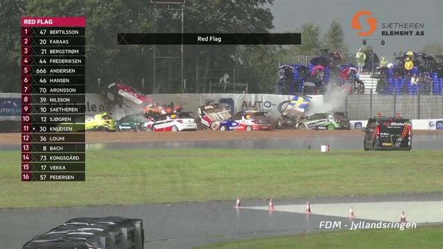 No caben más coches en este accidente de la Citroen DS3 Cup