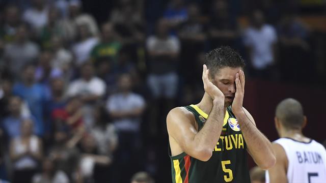Grave errore in Francia-Lituania, la Fiba sospende fino a fine torneo la terna arbitrale