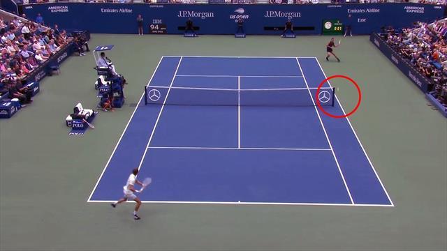Irrer Beginn: Nadal spielt beim zweiten Ballwechsel im Finale ums Netz rum