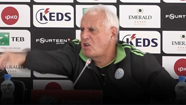 Тренер сборной Косово устроил эмоциональный ад, объясняя тактический прессинг
