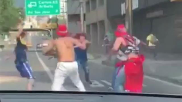Колумбийские фанаты устроили потасовку с мачете