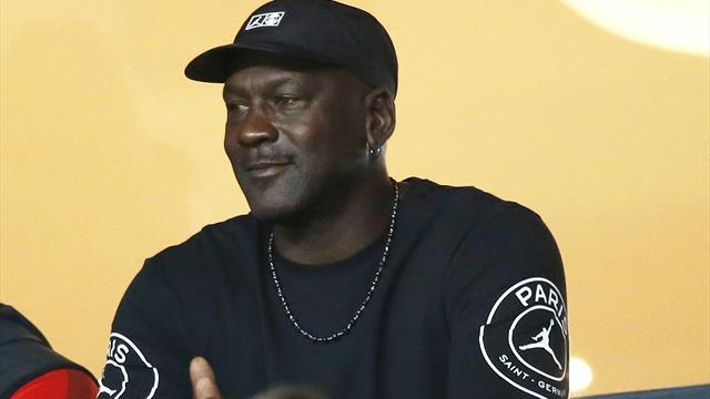 Michael Jordan dona 1 milione di dollari alle Bahamas devastate dall'uragano Dorian