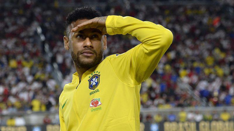 Neymar a débuté sur le banc lors de Brésil-Pérou