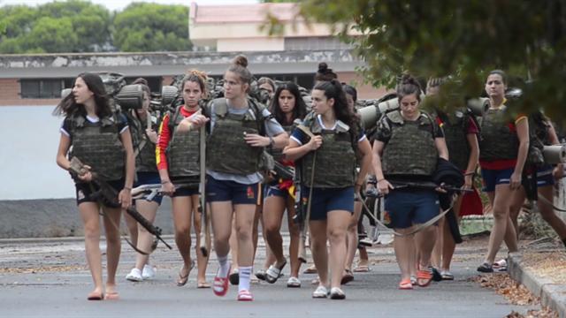 Entrenamiento de élite militar para las leonas de rugby