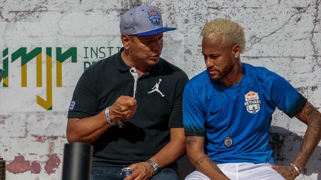 """""""Les déclarations de Neymar Sr. nuisent à son fils"""" : Hutteau décrypte"""