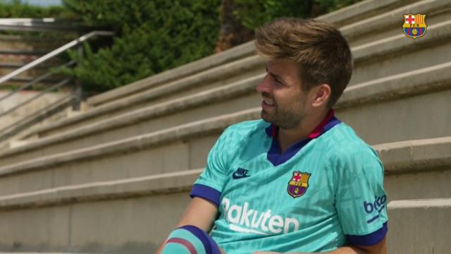 Gerard Piqué, modelo de lujo con la tercera camiseta del Barcelona