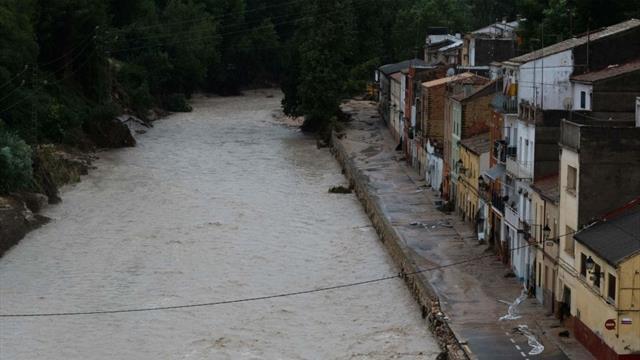 La Gota Fría inunda estadios, cierra pabellones y suspende partidos en Levante