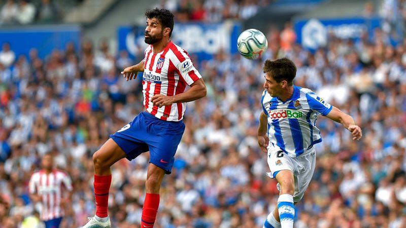 Diego Costa (Atlético) y Artiz Elustondo (Real Sociedad)