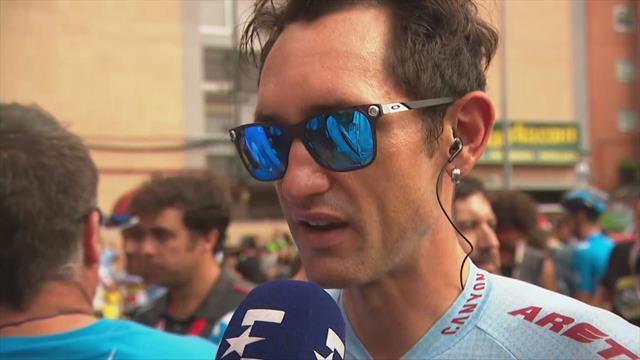 Een heroïsche Willie Smit fietst ondanks verwondingen Vuelta uit