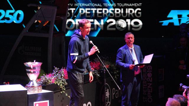 «С Надалем совершенно не тряслись колени». Медведев возвращается на корт после шедеврального US Open