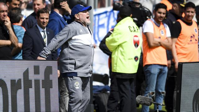 ⚽🇦🇷 ¡Con mal pie! Maradona debuta con derrota al frente de Gimnasia