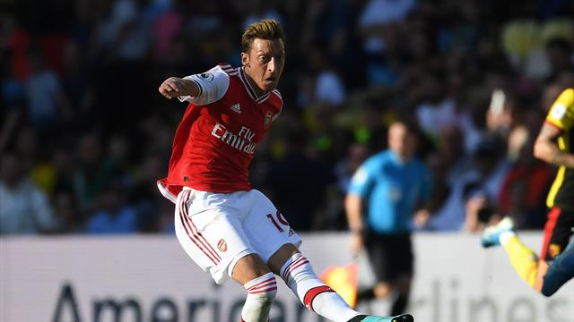 Emery rests Ozil for Arsenal's Frankfurt trip