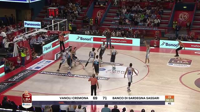 Highlights, semifinale Supercoppa: Vanoli Cremona-Banco di Sardegna Sassari 94-101 (OT)