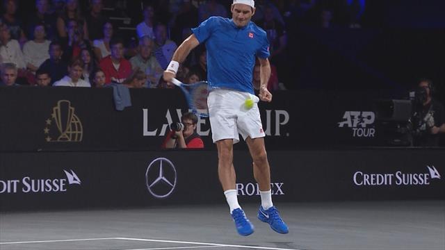 У Федерера выступили слезы после попадания Сока мячом швейцарцу чуть ниже живота